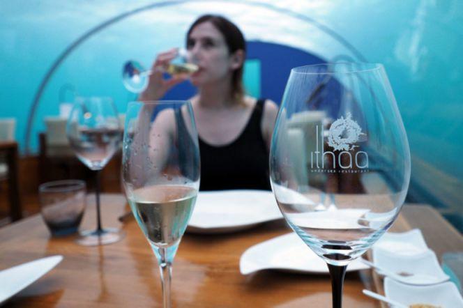 First-Underwater-Restaurant-Ithaa-6