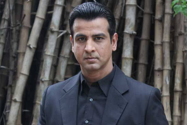 Side Business Of Famous TV Actors ronit-roy