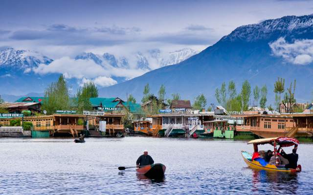 Honeymoon-Places-In-India-Kashmir