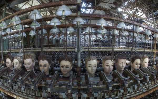 Abandoned-Places-In-The-World-Doll-factory-spain