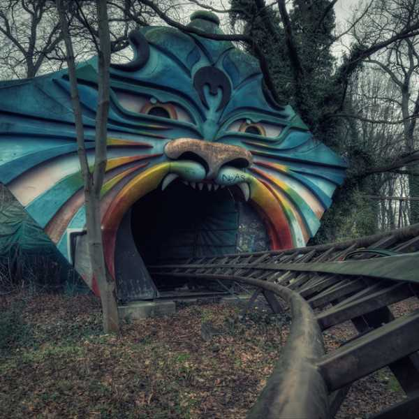 Abandoned-Places-In-The-World-Spreepark-Berlin-Germany