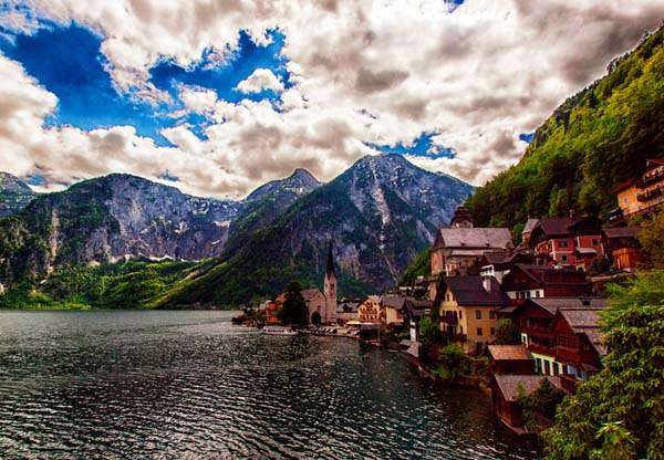 Amazing-Most-Beautiful-Places-In-The-World-Hallstatt-Austria