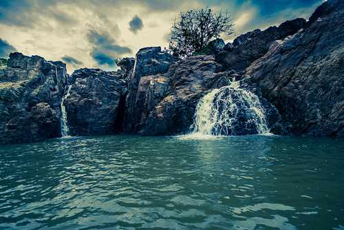 Amazing-Places-In-India-Hogenakkal-Falls-Kaveri-River