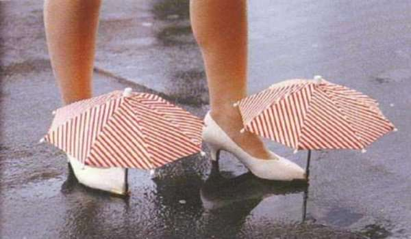 Funny-Crazy-Weird-Inventions-Shoe-Umbrella
