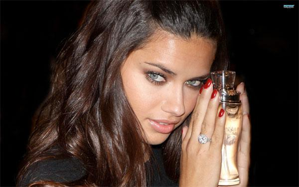most-beautiful-women-in-the-world-Adriana-Lima