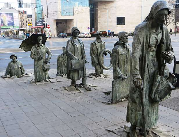 Amazing Sculptures in the world (2)