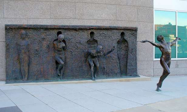 Amazing Sculptures in the world (3)