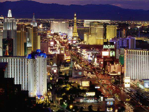 Best-Places-To-Visit-In-USA-las-Vegas-Strip