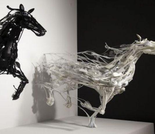 Sayaka-Ganz-Recycled-Art-horses-534x462