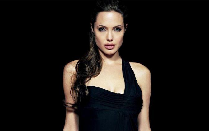 Bold Actresses Hollywood Angelina Jolie - 9