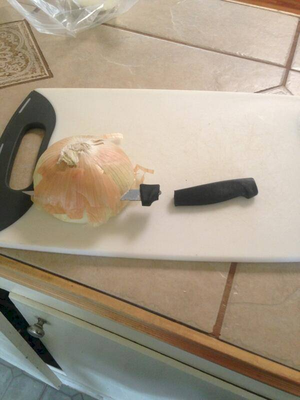Funny-and-Hilarious-Cooking-Fails-Onion