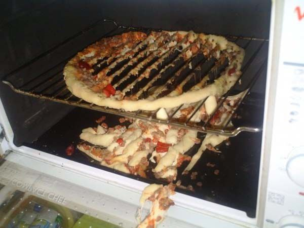 Funny-and-Hilarious-Cooking-Fails-Pizza