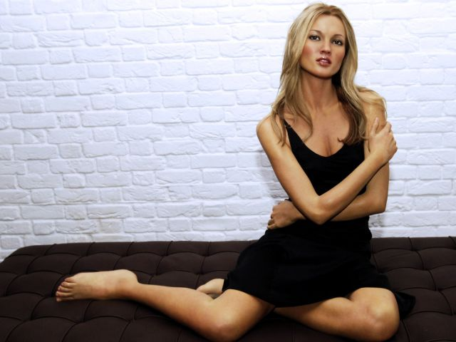 Hollywood-Celebrity-Scandals-Kate-Moss