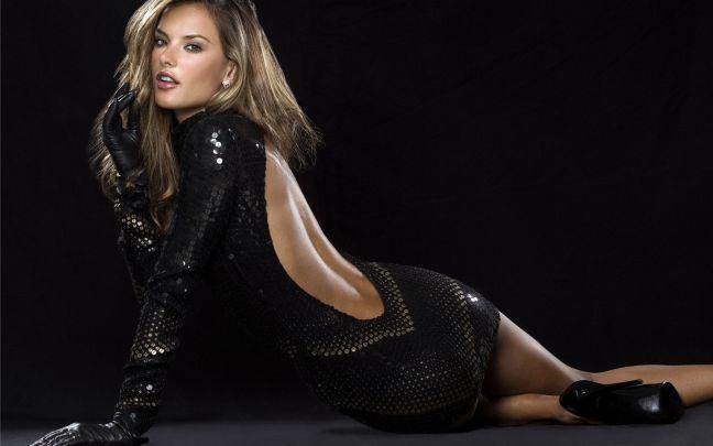 Hottest-Celebrity-Moms-Alessandra-Ambrosio