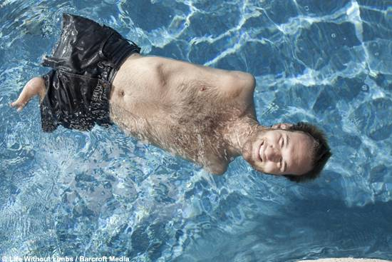 Nick Vujicic Life Without Limbs Swimming