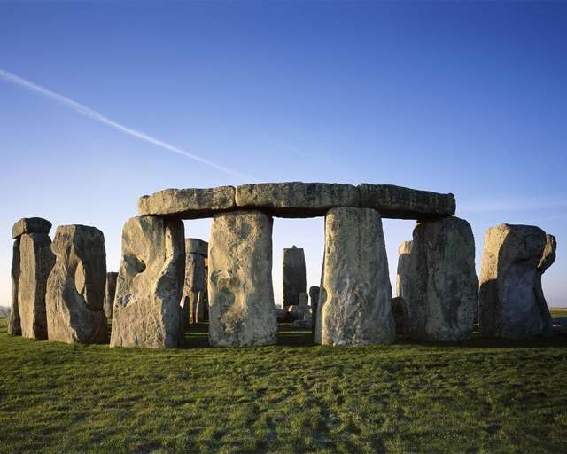 Top-10-Unsolved-Mysteries-Of-The-World-Stonehenge