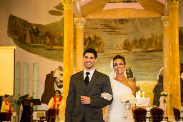 Look At These Stunning Traditional Wedding Attire Around