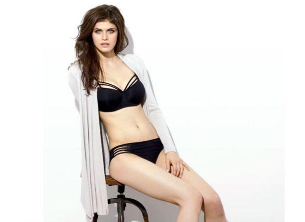 alexandra-daddario-bikini-photos-6