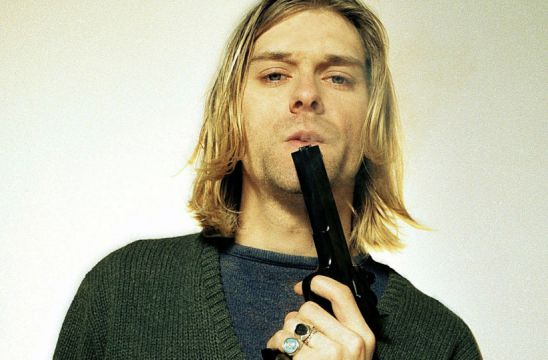 celebrities-who-committed-suicide-kurt-cobain