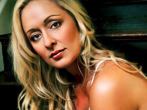 Celebrities-Who-Committed-Suicide-Mindy-McCready