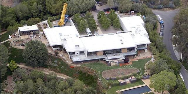 Celebrity-Mansions-Jennifer-Aniston