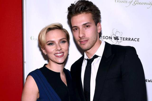 celebrity-twins-scarlett-and-hunter-johansson