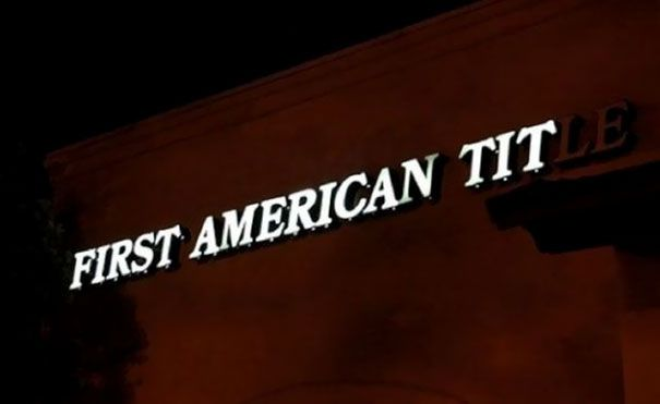 Funny-Neon-Signs-Fails-5