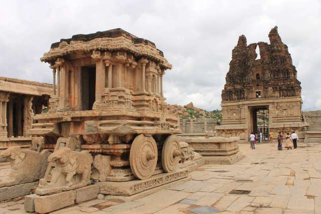 Historical-Places-In-India-hampi