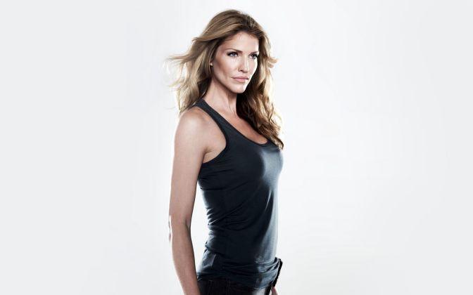 Hottest-Canadian-Women-Tricia-Helfer
