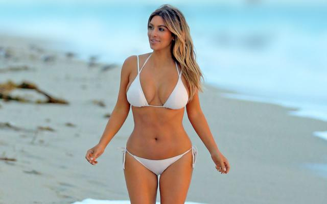 Hottest-Hollywood-Bikini-Bodies-Kim-Kardashian