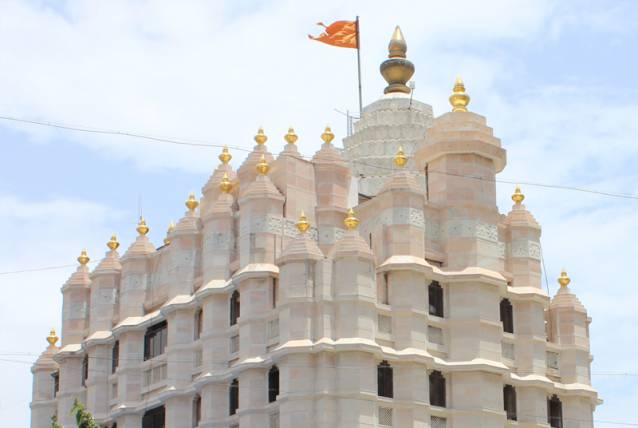 Religious-Places-In-India-Siddhivinayak-temple-Mumbai