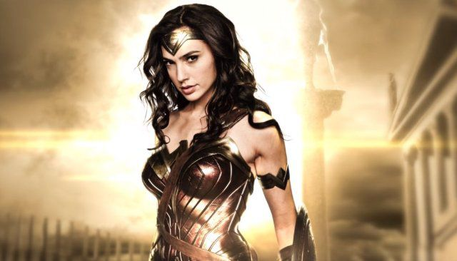 Sexiest-Hottest-Female-Superheroes-Gal-Gadot-Wonder-Woman