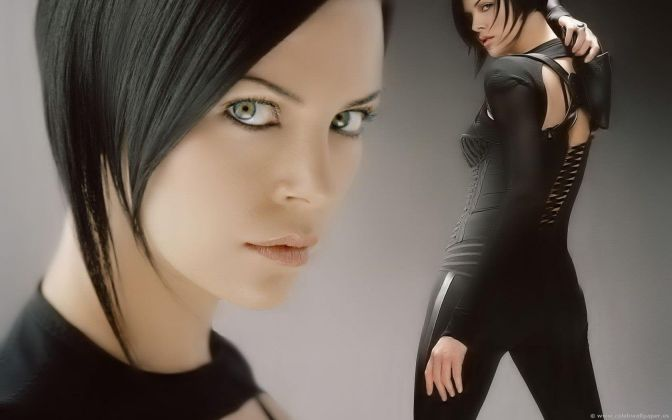 sexiest-hottest-female-superheroes-charlize-theron-aeon-flux