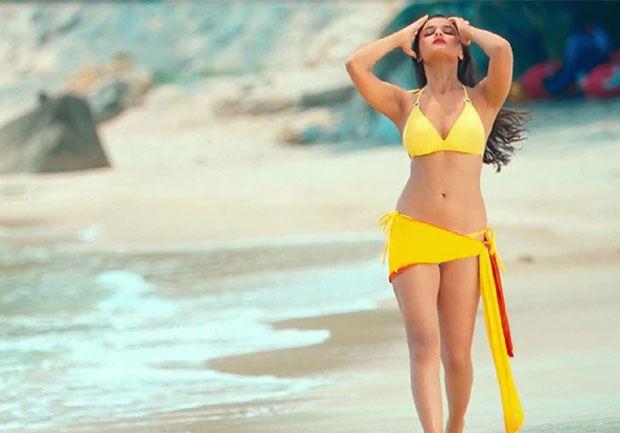 Alia-Bhatt-in-Bikini