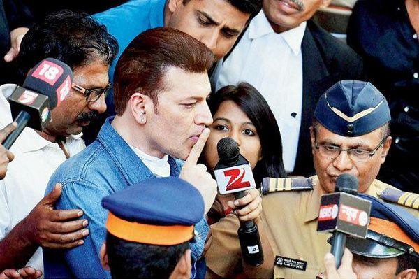 Bollywood-Scandals-Aditya-pancholi