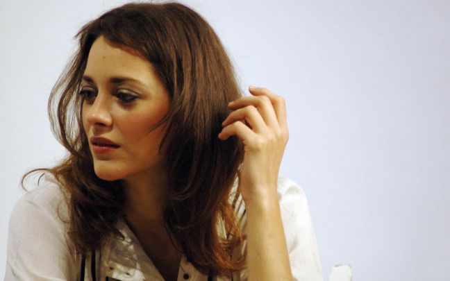 cute-hollywood-actresses-marion-cotillard