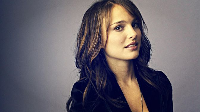 Cute-Hollywood-Actresses-Natalie-Portman