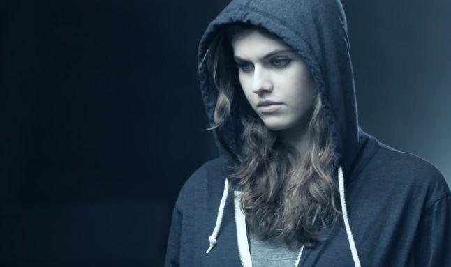 cute-hollywood-actresses-alexandra-daddario
