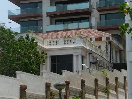 shahrukh-khans-house-mannat-side-view
