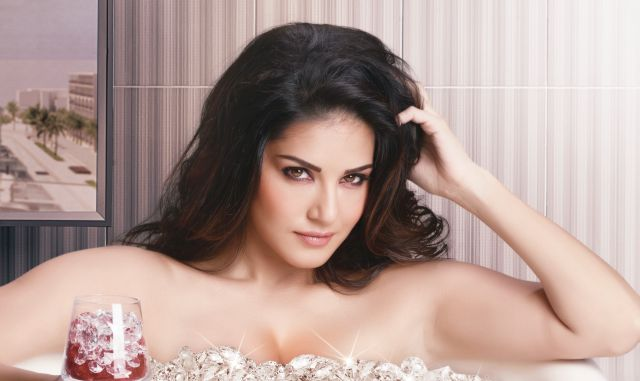 hottest-bollywood-actresses-sunny-leone