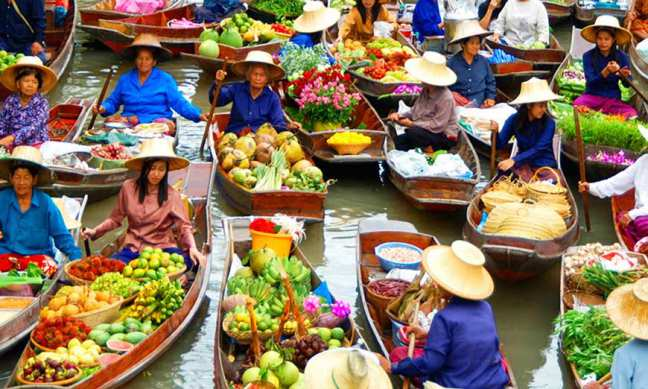 places-to-visit-in-bangkok-Floating-market