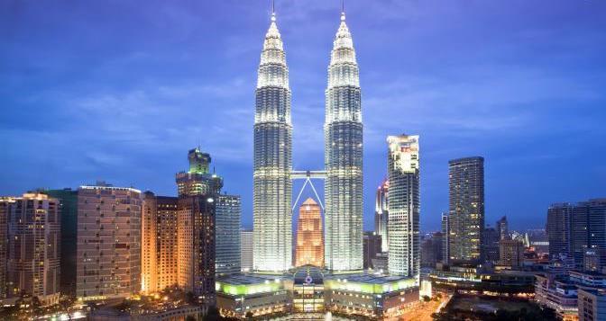 Famous-Buildings-Petronas-Towers-Malaysia
