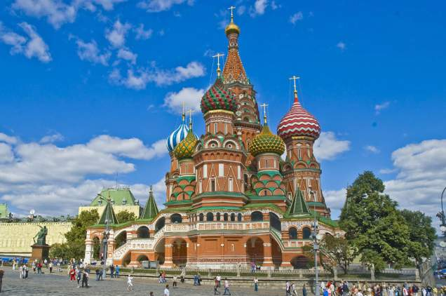 Famous-Buildings-St-Basils-Cathedral-Russia