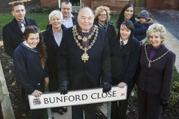 Jane-Bunford-11
