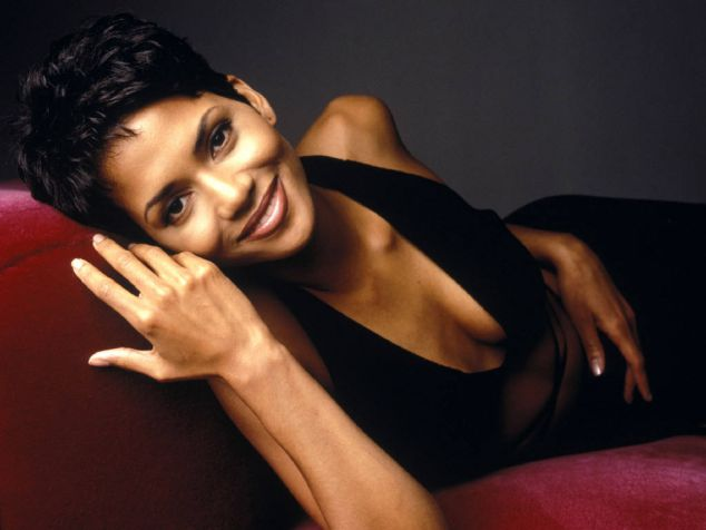 Beautiful-Black-Women-Halle-Berry