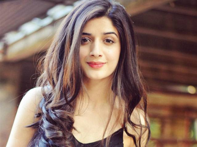 Beautiful-Pakistani-Actress-Mawra-Hocane