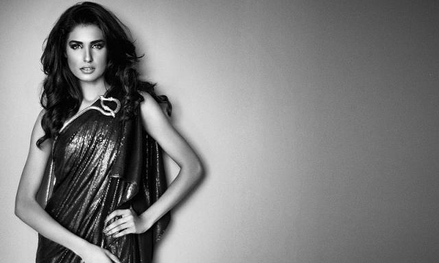 Hottest-Pakistani-Models-Amna-Ilyas