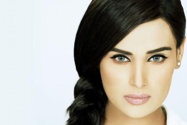 Hottest-Pakistani-Models-Mehreen-Syed