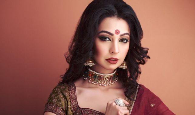 Hottest-Pakistani-Models-Rubya-Chaudhry