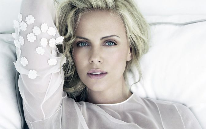 Hottest-South-African-Models-Charlize-Theron